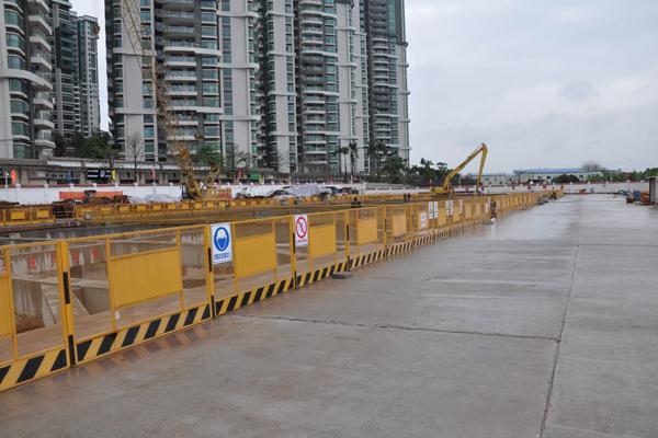 定型基坑临边防护栏